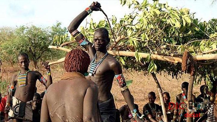 Племена голая фото но