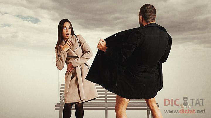golie-muzhiki-v-palto