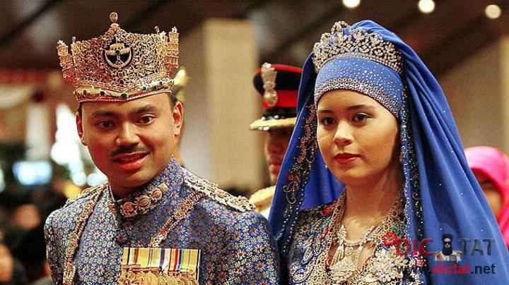 Султану Брунея - 71.