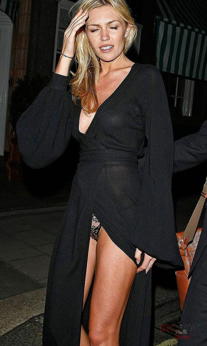 Фото знаменитостей которые не носят трусики фото 11 фотография