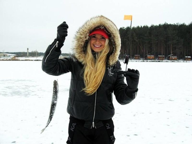 Девушки на зимней оыбалке фото