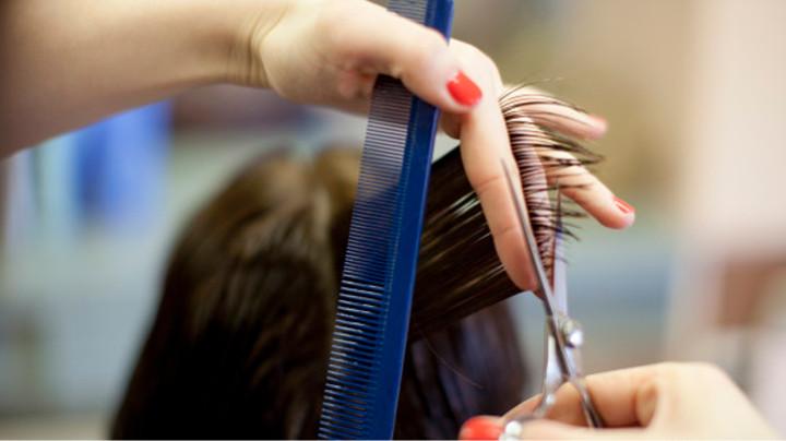 Сонник стрижка волос в парикмахерской